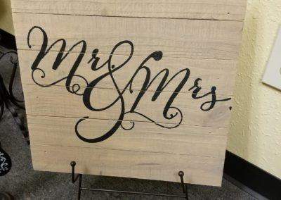 Mr. & Mrs. Wooden Sign $2.00